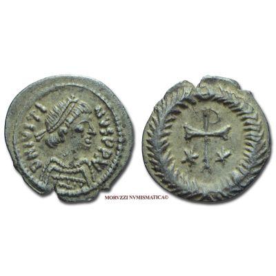 GIUSTINO II, 565-578 d.C., 1/2 SILIQUA, Emissione: 565-578 d.C., Zecca di Ravenna, Rif. bibl. DO, 215; MIB, 41; Sear, 412; Metallo: AR, gr. 0,70, (MR50982), Diam.: mm. 12,48, SPL, (R)